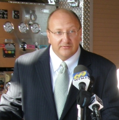 Pawlowski Announces Resignation