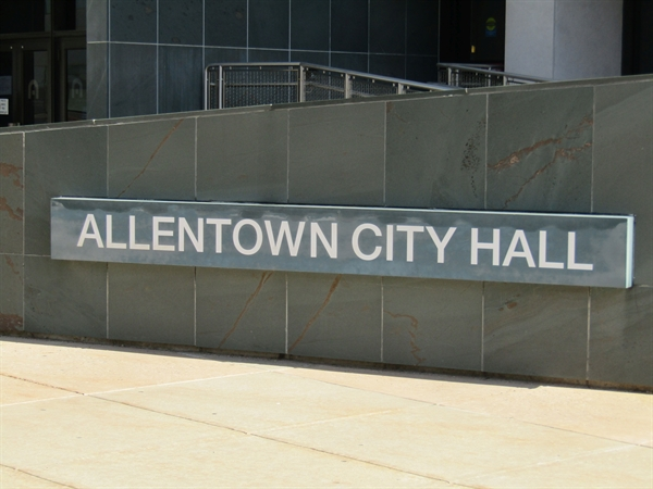 City Council Seeks Applicants for Mayor
