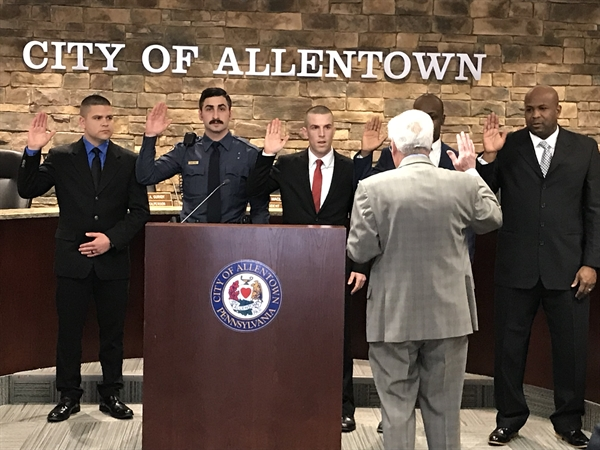New APD Officers Take Oath